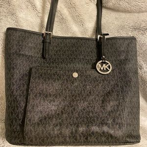 Michael Kors Jet Set Black and Silver